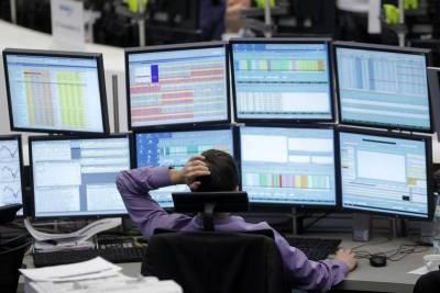Капитализация российского рынка акций Московской биржи в секторе Основной рынок на 25 июня снизилась на 0,18% и составила 59987,995 млрд руб.