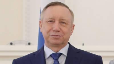 Глава Петербурга на Алых Парусах оторвал веревку на праздничной рынде