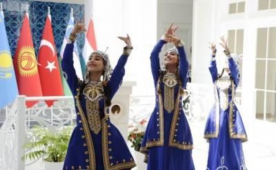 Все цвета радуги тюркского мира – сказки и национальные танцы в Баку (ФОТО)