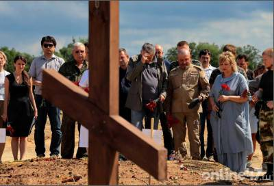 Фоторепортаж: мемориалу – быть, или как под Тосно восстанавливают память героев Великой Отечественной