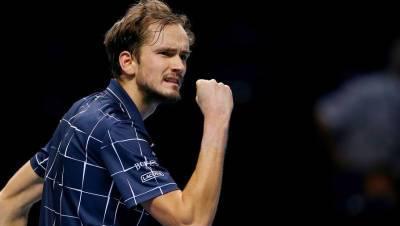 Российский теннисист Медведев стал победителем турнира на Мальорке