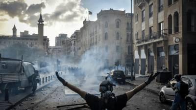 В Ливане произошло столкновения между протестующими и военнослужащими: 20 человек пострадало и мира