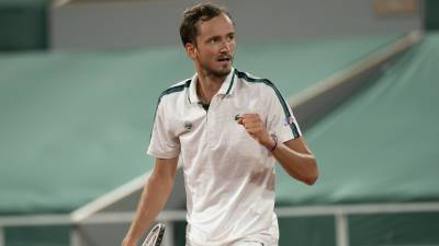 Медведев сократил отставание от Джоковича в рейтинге ATP