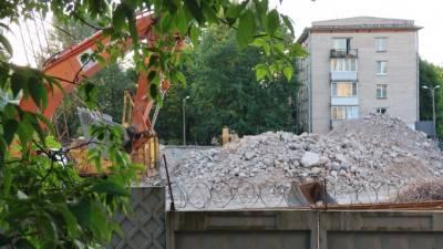 Исторический дом на Васильевском острове разрушается от стройки нового ЖК