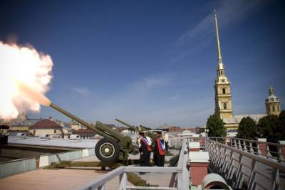 Лучший выпускник вуза Петербурга произведет полуденный выстрел в Петропавловской крепости