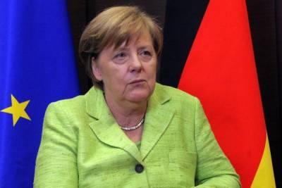 Меркель призвала ЕС обсуждать отношения с Россией непосредственно с Путиным