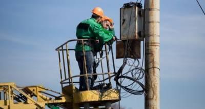 Из-за непогоды в Украине без света остались больше сотни населенных пунктов