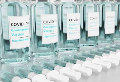 Число сделанных в Петербурге вакцин от COVID-19 перевалило за 700 тысяч