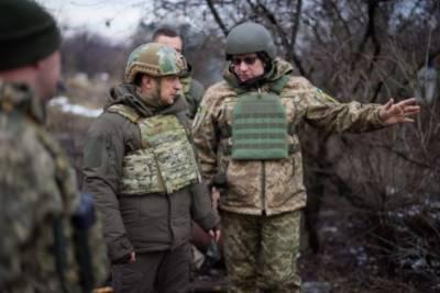 Россия отвела от границ Украины лишь около 10 тысяч военных – Зеленский