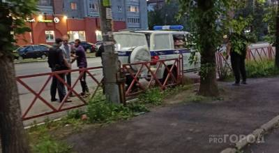 Кинул на землю и начал бить: ярославец после аварии напал на сотрудника ГИБДД
