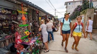 Крым посетили два миллиона туристов с начала года - власти