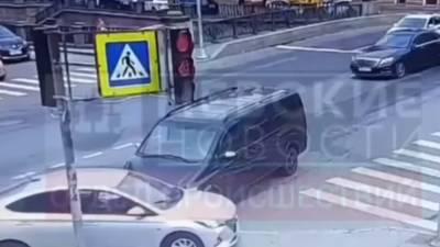 Автомобиль из кортежа Катара попал в ДТП в центре Петербурга