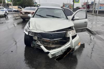 В Кургане водитель не уступил дорогу на перекрёстке и устроил двойное ДТП