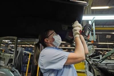 В «АвтоВАЗе» подтвердили приостановку производства некоторых моделей из-за нехватки комплектующих