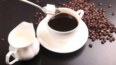 Диетолог-эндокринолог назвал симптомы передозировки кофеином