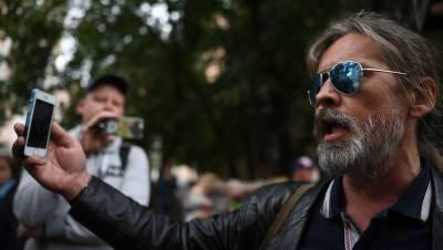 Лидер группы «Коррозия металла» рассказал подробности массовой драки на Дубнинской улице
