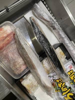 В южно-сахалинском ресторане нашли морепродукты без маркировки