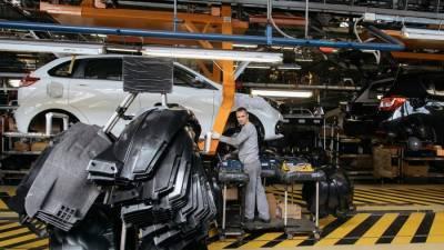 АвтоВАЗ снова приостановит выпуск автомобилей