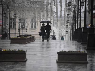 Москвичей предупредили о сильном ветре, грозе и граде до конца дня