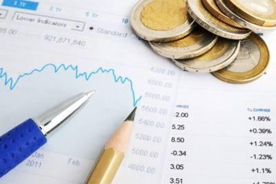 Золото дешевеет, доллар растет перед выходом инфляционных данных США