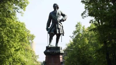 Губернатор Петербурга считает Петра I примером лидера и главы государства