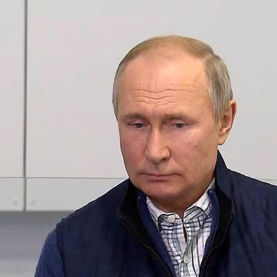 Путин: отнести русских к некоренным народам Украины – некорректно, смешно и глупо