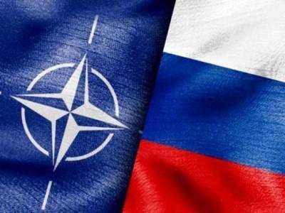 Глава Минобороны ФРГ поддержала диалог между Россией и НАТО по контролю над вооружениями