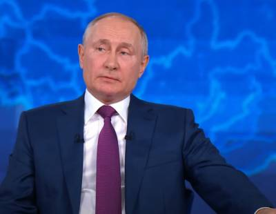 «Это уже не игровое шоу»: Политолог Зубец назвал основные темы «Прямой линии» Владимира Путина