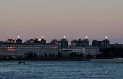 Жители петербургского ЖК просят Смольный остановить демонтаж световых конструкций