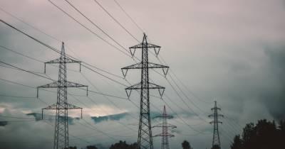 Из-за непогоды более 300 населенных пунктов остались без света, больше всего не повезло Львовщине