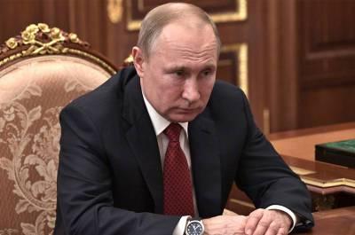 Путин подписал закон о запрете отождествления действий СССР и фашистской Германии