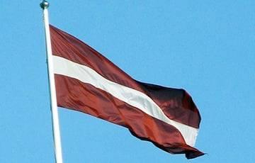 Латвия из-за мигрантов направила военных на границу с Беларусью