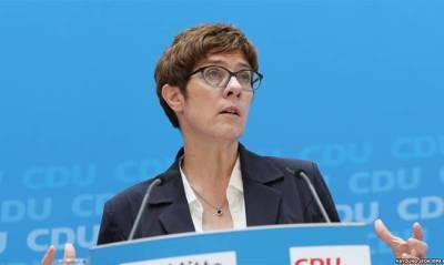 Встречу главы Минобороны ФРГ с Зеленским отменили