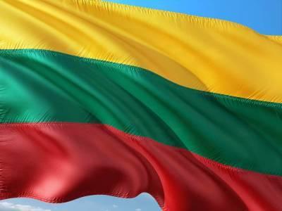 Литва отправляет армию на границу из-за наплыва мигрантов из Беларуси и мира