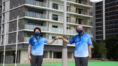 В Токио официально открыли Олимпийскую деревню. Она вызвала шквал критики