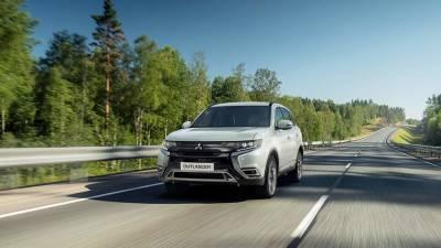 Названы российские цены на новый кроссовер Mitsubishi Outlander