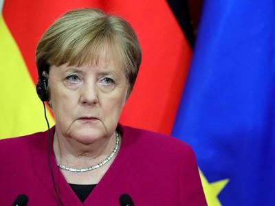 Колумнист Bloomberg: Меркель предала Байдена, защищая «Северный поток-2»