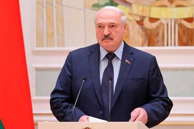 Конфликт Лукашенко с Западом назвали невыгодным для России