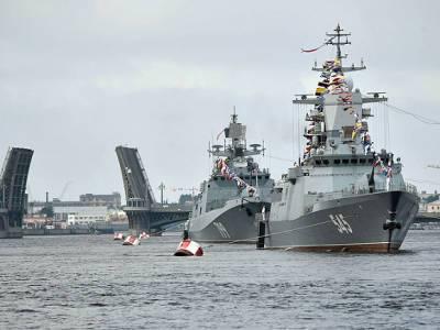 Шойгу пообещал Петербургу «самый масштабный в истории» парад в честь Дня ВМФ