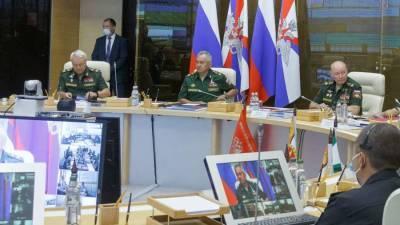Шойгу заявил о лидерстве армии России по оснащенности новой военной техникой