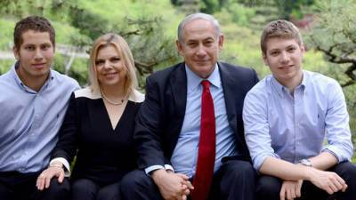 Беннет решил: Сара Нетаниягу и сыновья экс-премьера останутся без телохранителей