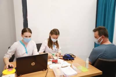 В Гродно начали работу выездные пункты вакцинации. Один из них разместился в торговом центре OldCity