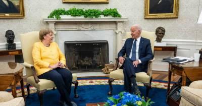 Украина упрекнула Байдена и Меркель за невыполнение требований Киева