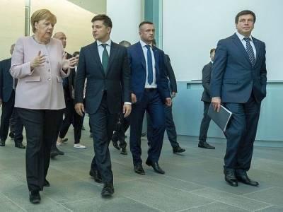 Представитель Зеленского раскритиковал Байдена и Меркель из-за переговоров по «Северному потоку-2»
