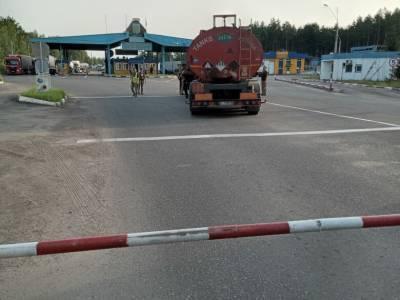 Пьяный дальнобойщик сбил шлагбаум в пункте пропуска на границе с Беларусью – ГПСУ