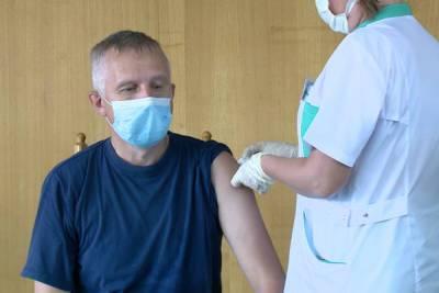 В Пензе для сотрудников полиции сделали мобильный пункт вакцинации от коронавируса
