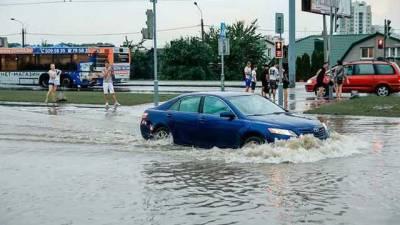Улицы превратились в реки: белорусское Гродно накрыла масштабная непогода