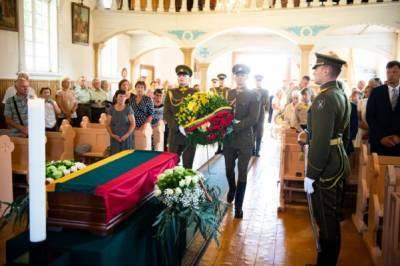 В Литве торжественно перезахоронили «лесного брата», расстрелянного при СССР