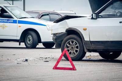 В Крыму трое взрослых и двое подростков погибли в ДТП с КамАЗом