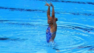 Российским спортсменкам запретили выступать в купальниках с медведями